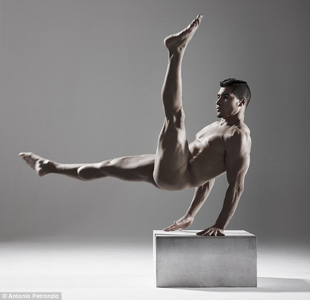 Naked male us gymnist