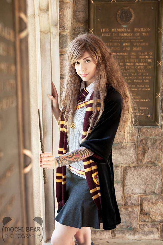 Hermione sexy cosplay